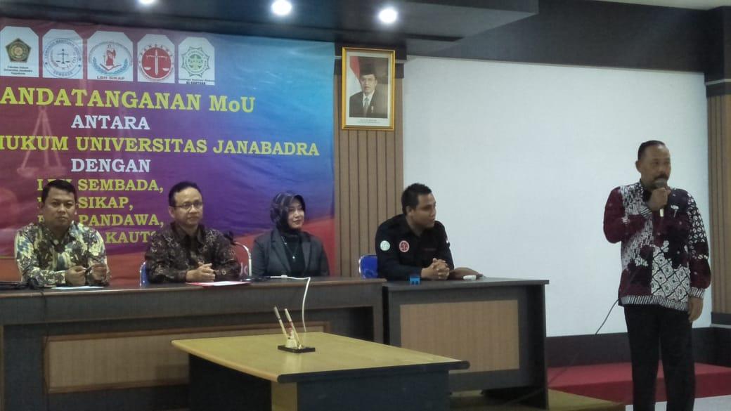 Penandatanganan MoU Fakultas Hukum dengan Lembaga Bantuan Hukum